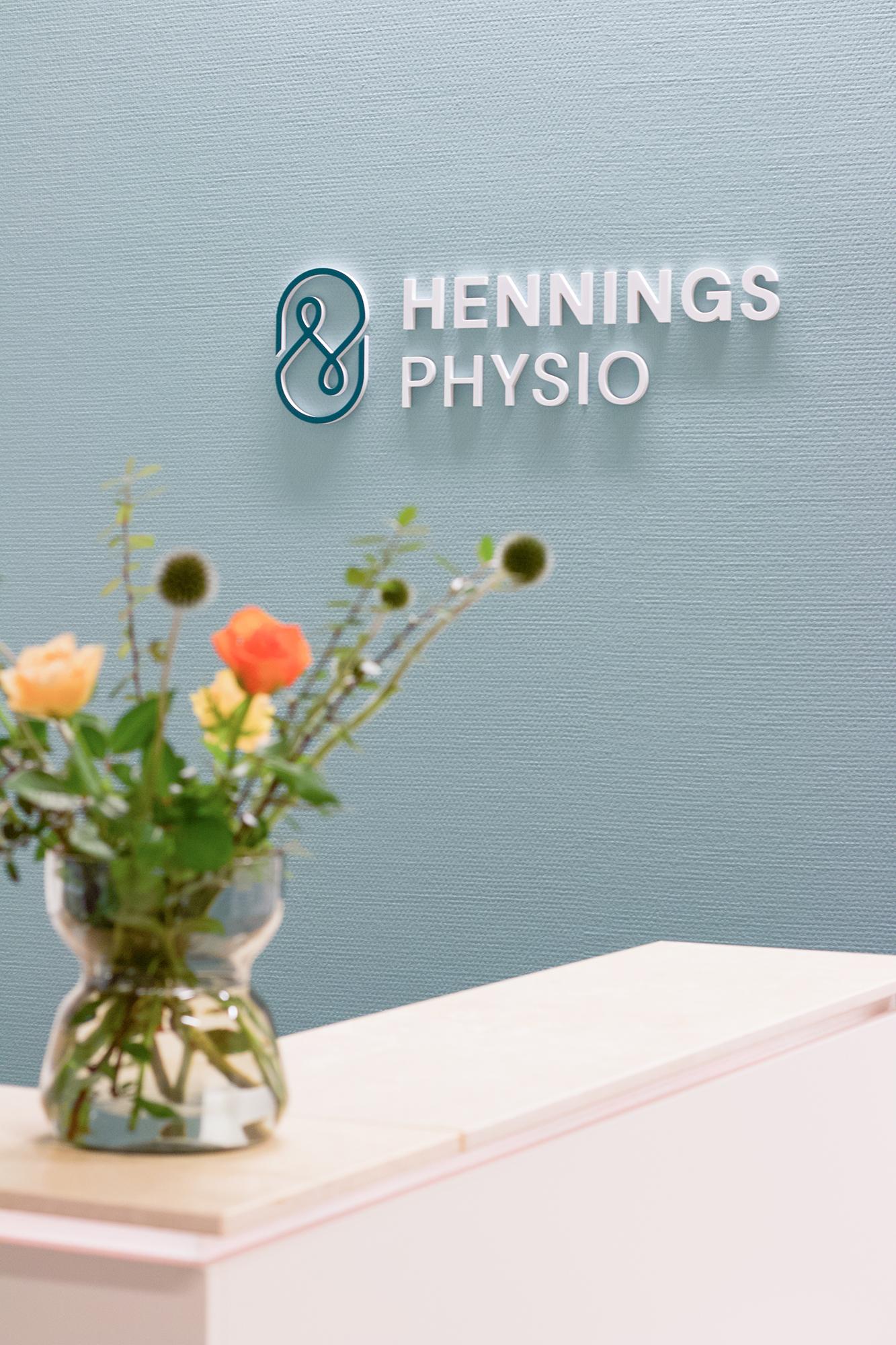 Hennings-Physio-Firmenlogo-Studio-Fondo-1