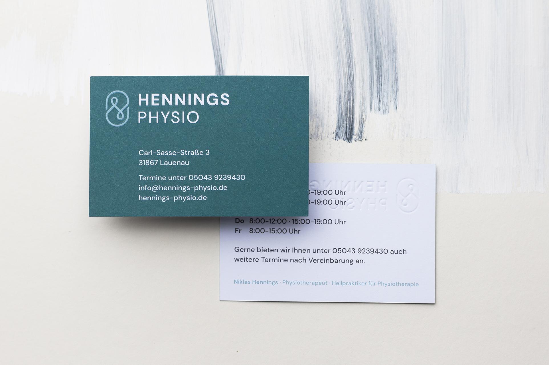 Hennings-Physio-Visitenkarte-Studio-Fondo-1